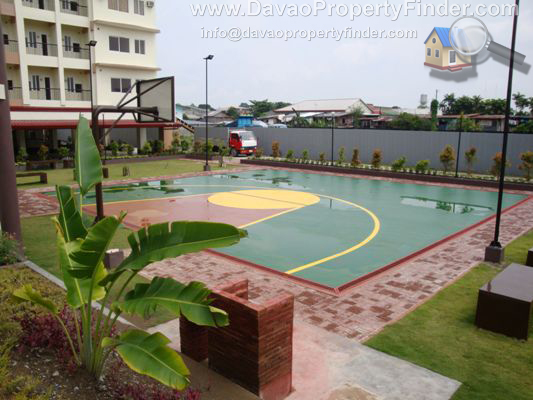 half court at linmarr towers